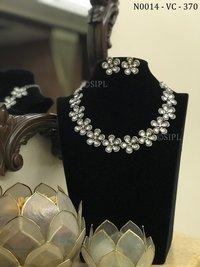 Classic Design Diamond Necklace Set