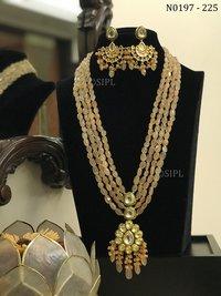 Beautiful Ahmedabadi Kundan Necklace Set