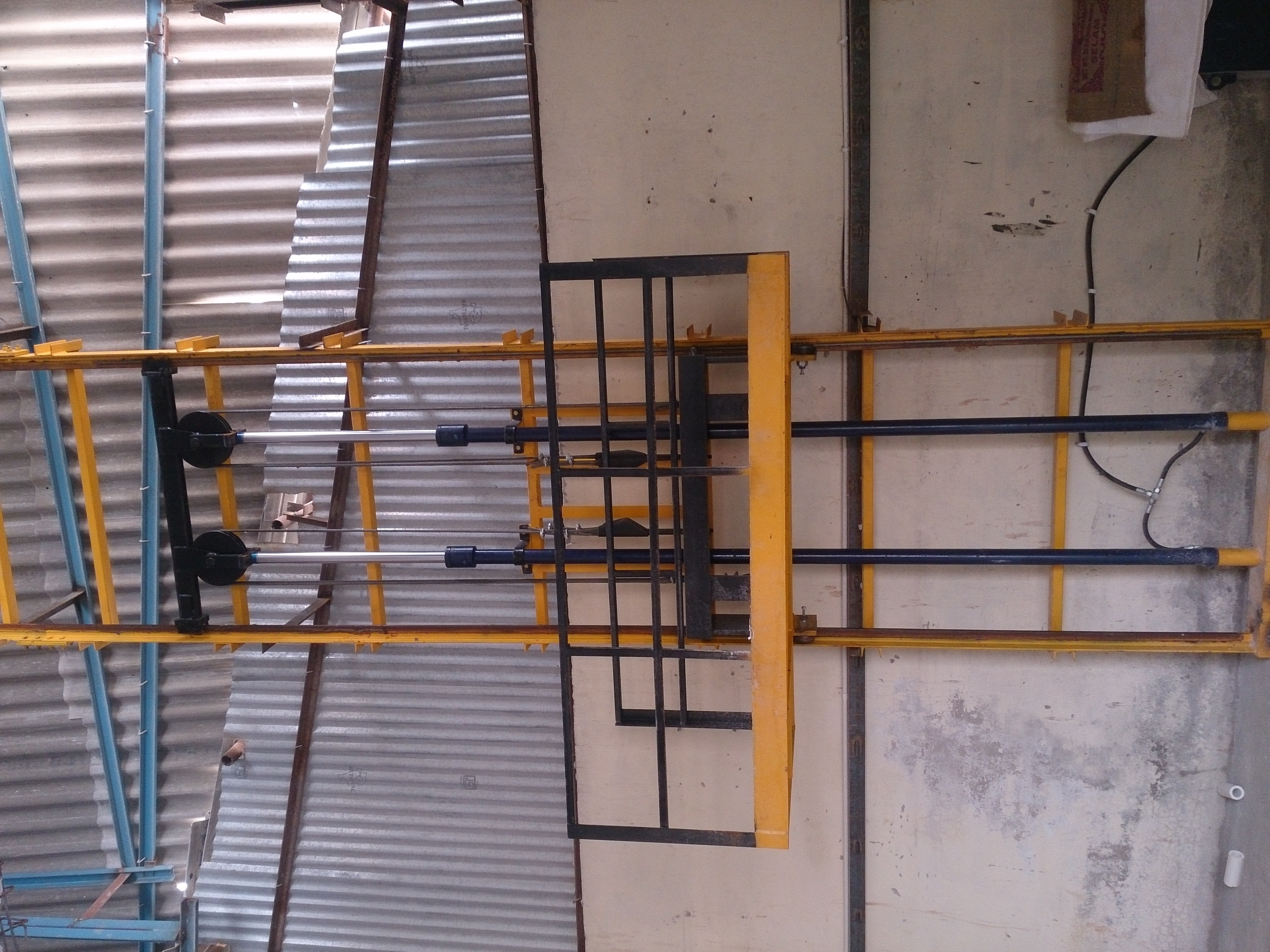 Single mast hydraulics Stacker Lift