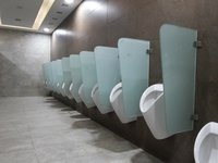 Chamfer Glass Urinal Partition