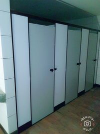 Nylon Crown Toilet Cubicle
