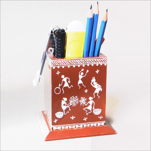 Clay Pen Stand