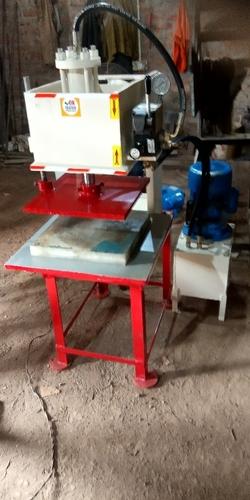 Slipper Cutting Machine