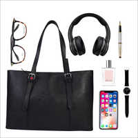 Ladies Black Leather Shoulder Handbags