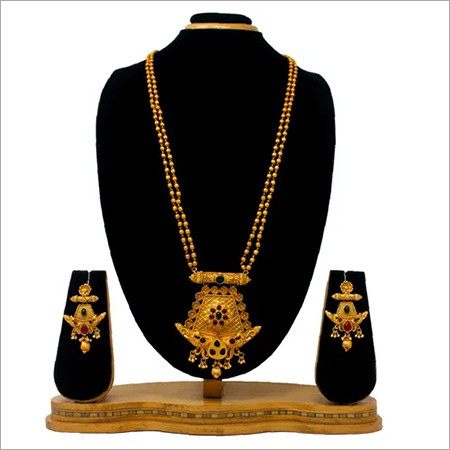 Gold Plated Design Pendant Set