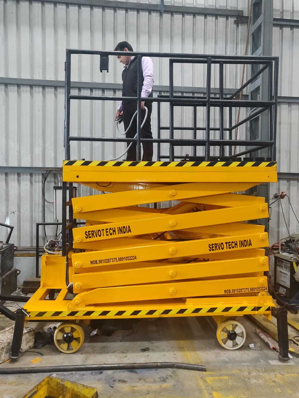 11mtr. Movable Lift