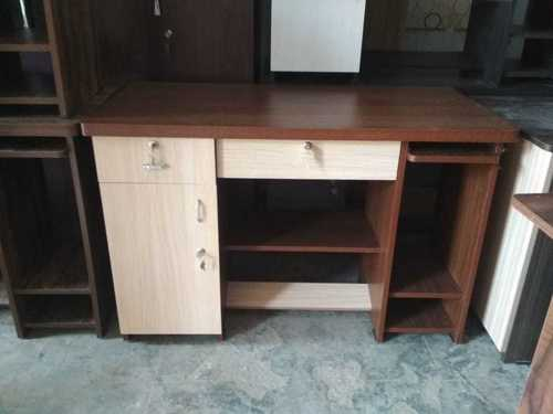 Office desk / Office furniture