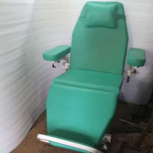 Manual dialysis chair