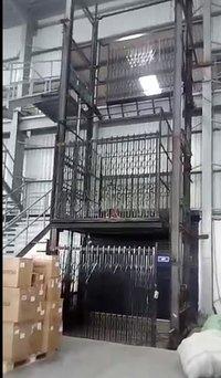 Goods loading Unloading Lift