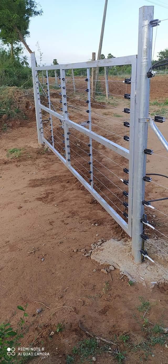 Main Gate 16 feet Length
