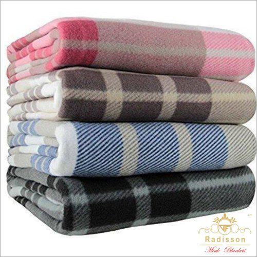 Check Printed Polar Blanket
