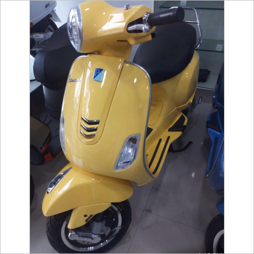 Vespa Yellow