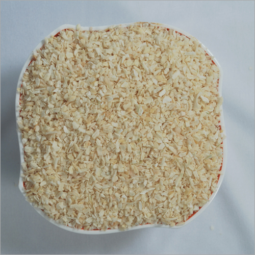 Dehydrated White Onion Chopped 3-5 MM A Grade