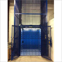 Collapsible Gate Goods Lift