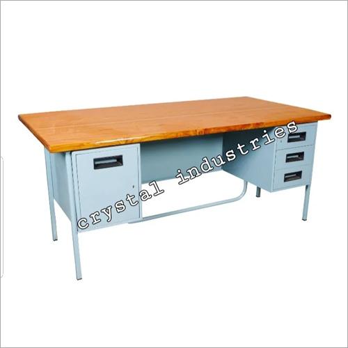 Classroom Teacher Table