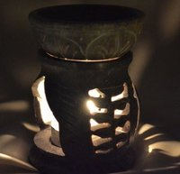 Beautiful Design And Color Aroma Oil Burner Material: Glass