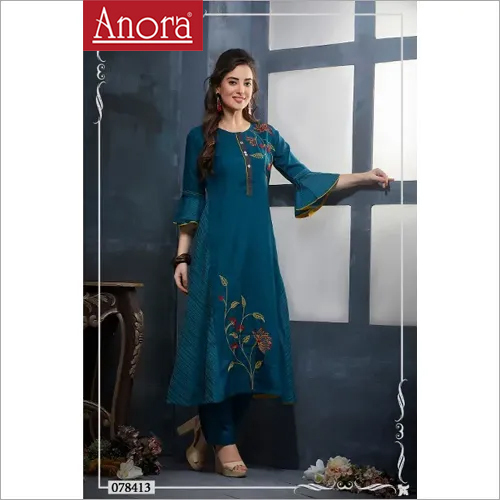 Ladies Embroidered Kurti With Pant