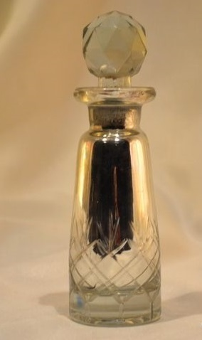 Perfume Bottle Silver Eatching, Cutting Perfume Bottle And Decante Material: Glass