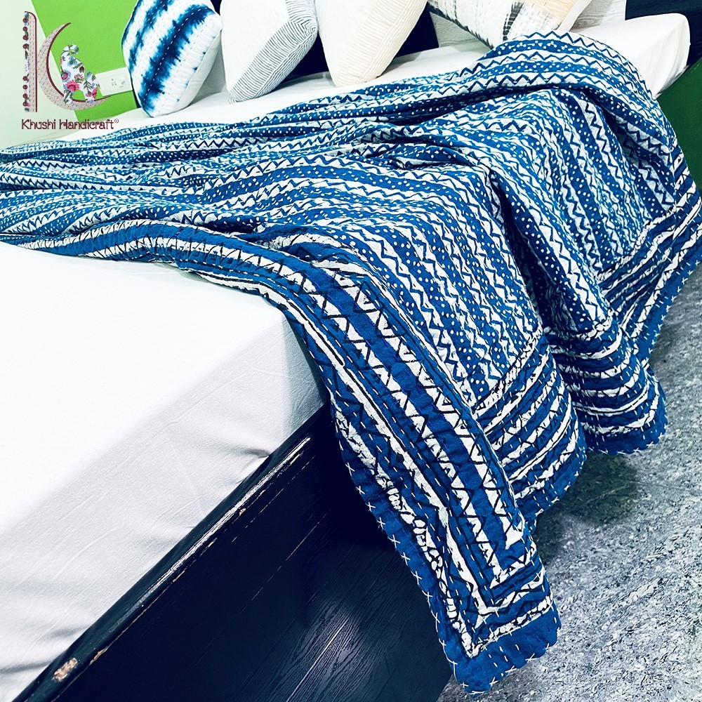 Zig-zag Pattern Kantha Bedspread Eco-friendly Bed Cover