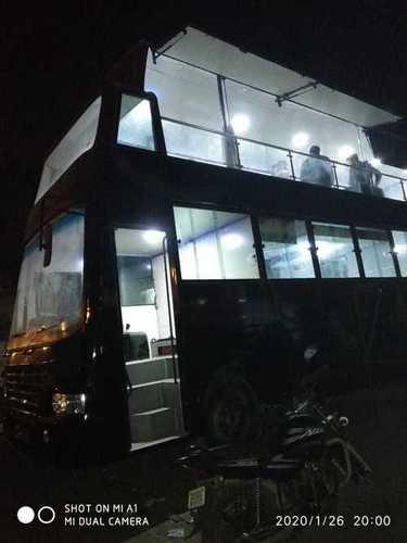 Double Dacker Restaurent On Wheels