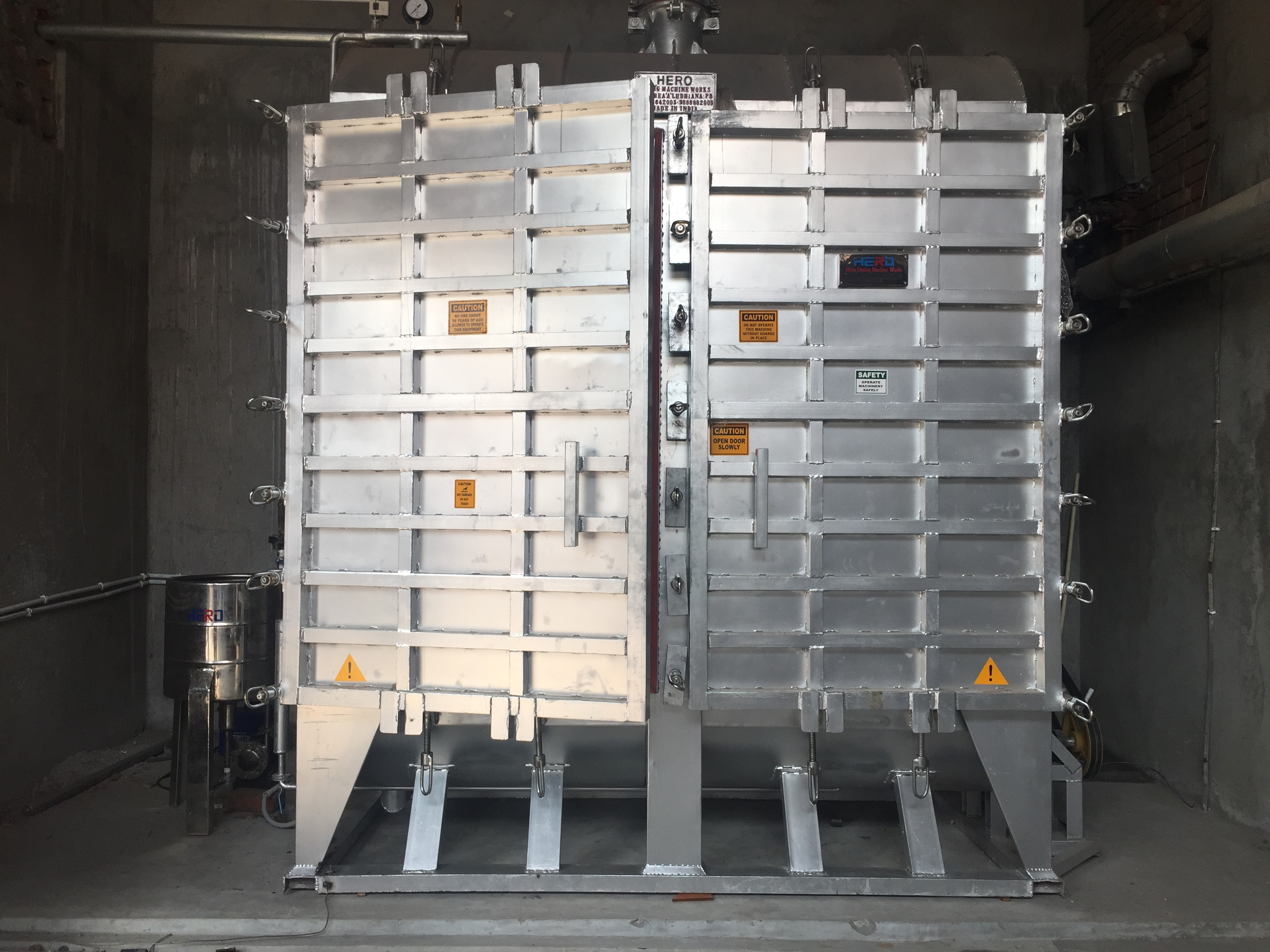 Industrial HTHP Hank Dyeing Machine