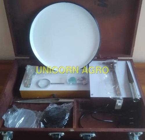 Analysis kit in wooden packing