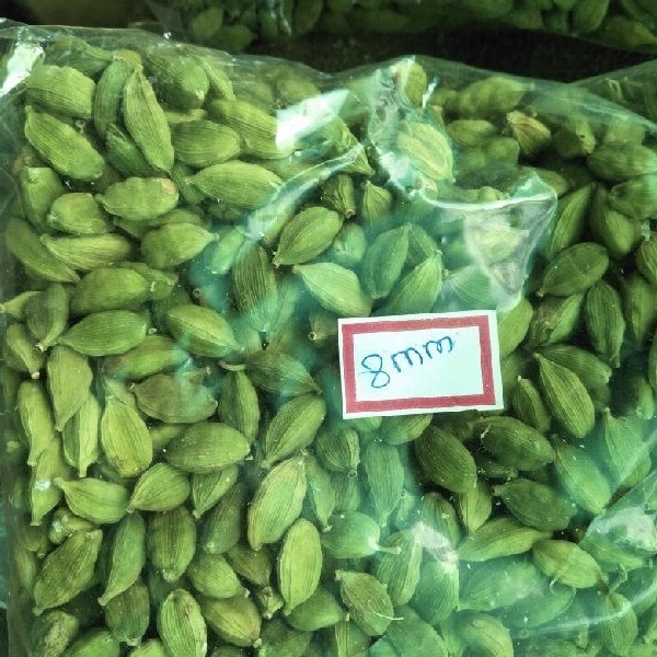 Green Cardamom Spices , Whole Natural Green