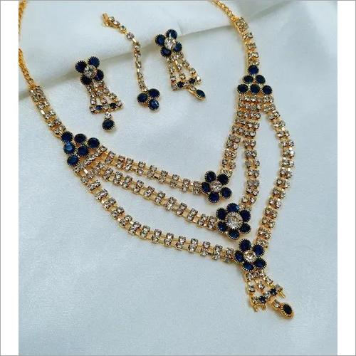 sleek Diamond necklace