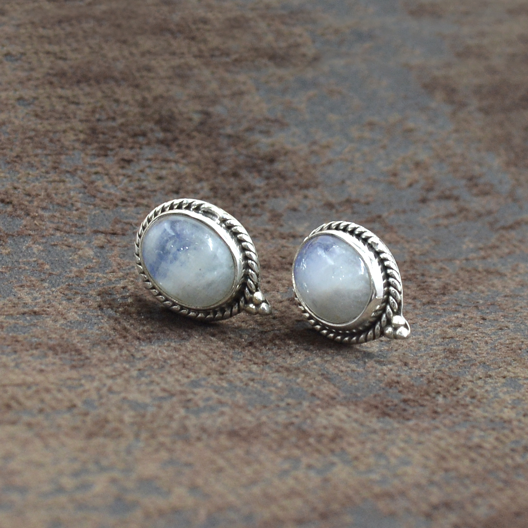 Silvesto India 925 Sterling Silver Natural Rainbow Moonstone Blue Fire Flashy Oval Shape Gemstone Stud Earring For Women