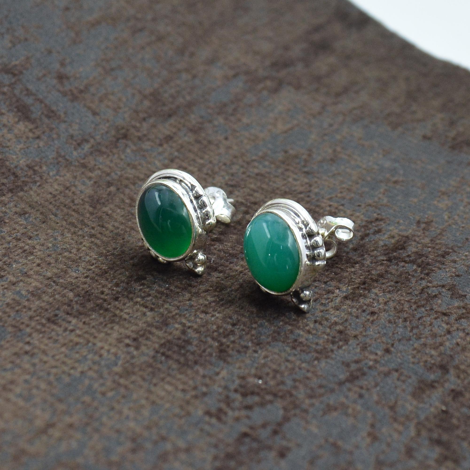 Silvesto India 925 Sterling Silver Natural Light Green Onyx Oval Shape Gemstone Stud Earring For Women