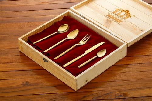 S.s Cutlery Set in Box Packing