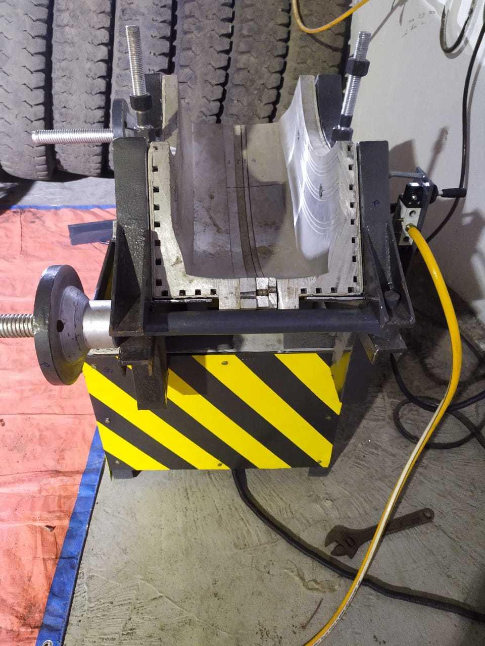 TYRE CUT REPAIR MACHINE ELECTRIC
