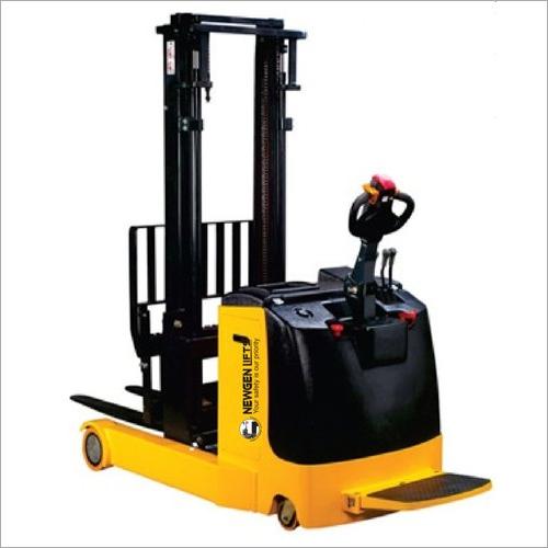 Electric Reach Stacker Lifting Capacity: 1500  Kilograms (Kg)