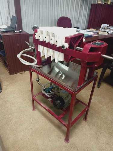 Coimbatore Edible Oil 205 Filter Press Capacity: 25 Liters Liter/Day