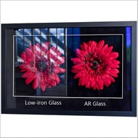 Anti Reflective Glass on Photo Frame