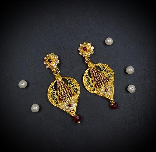 Trendy Gold Earring