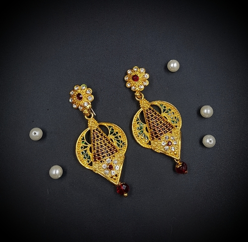 Trendy Gold Earring