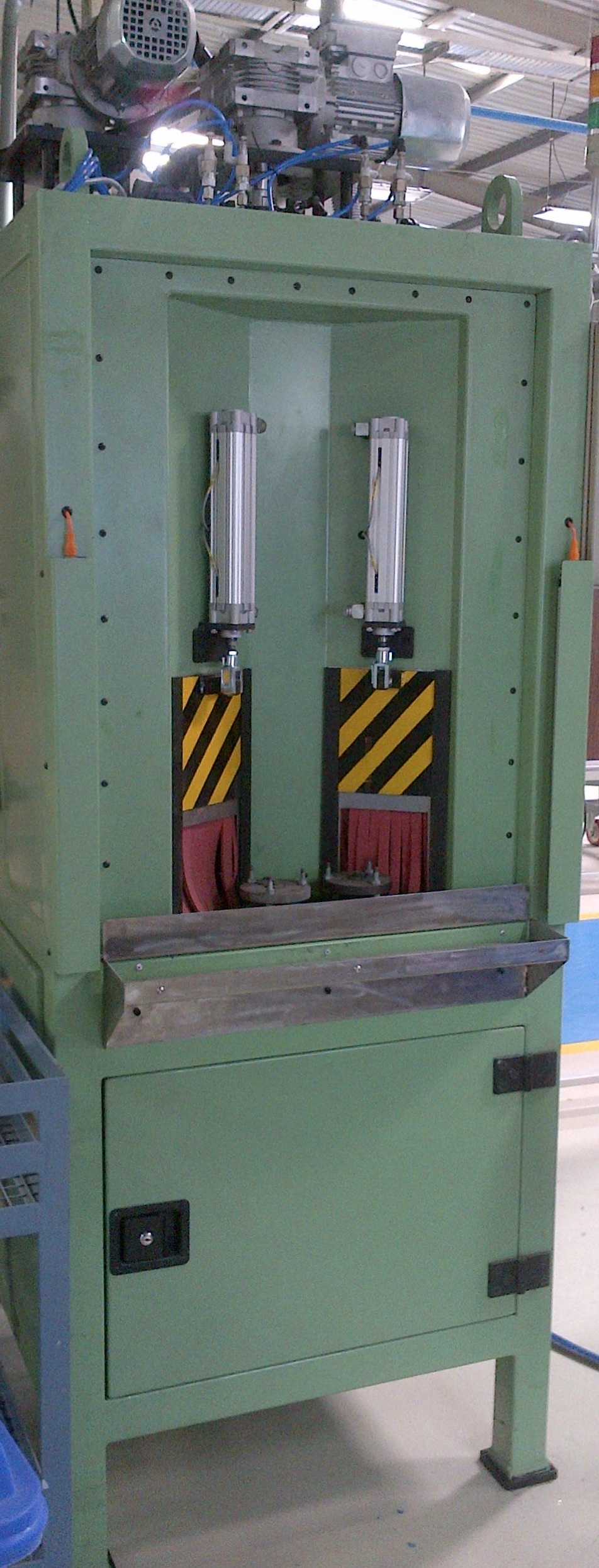 Satellite Table Grit Blasting Machine