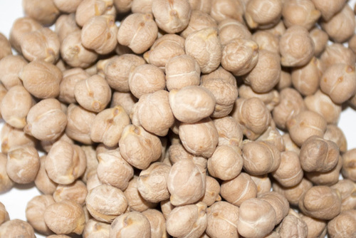 Kabuli Chick Peas and Desi Chickpeas Available At Low Prices.