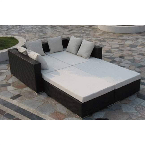 Poolside Lounge Bed