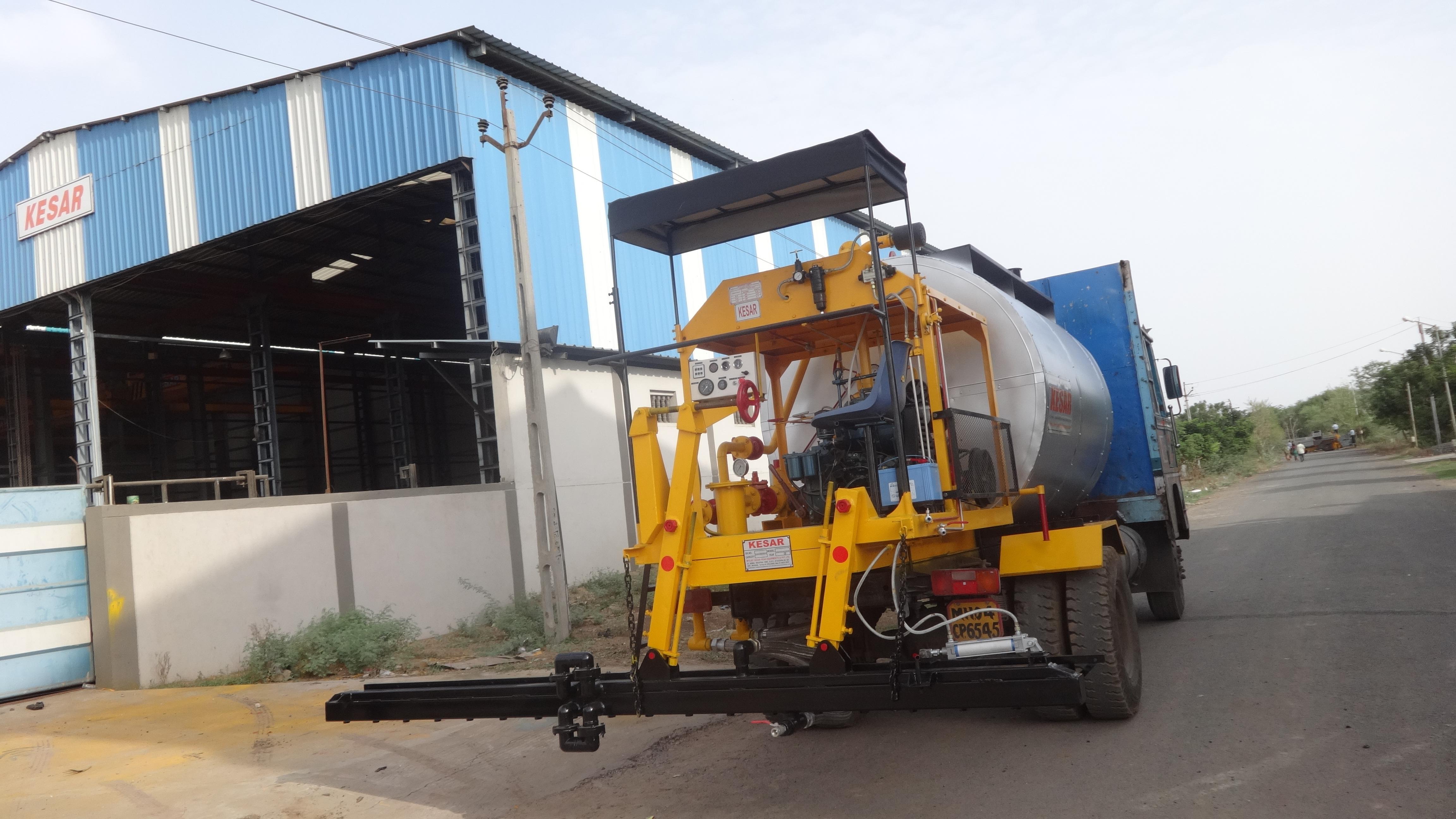 Automatic Bitumen Pressure Distributor