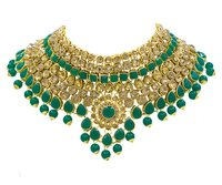 Beautiful Design Gold Plated Necklace Set For Women (Green)