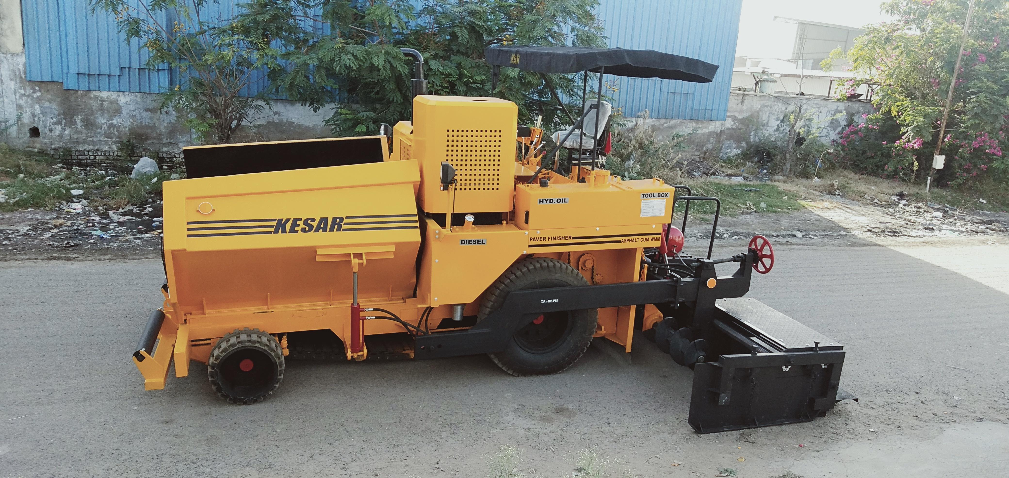 Road Paver Finisher Machine