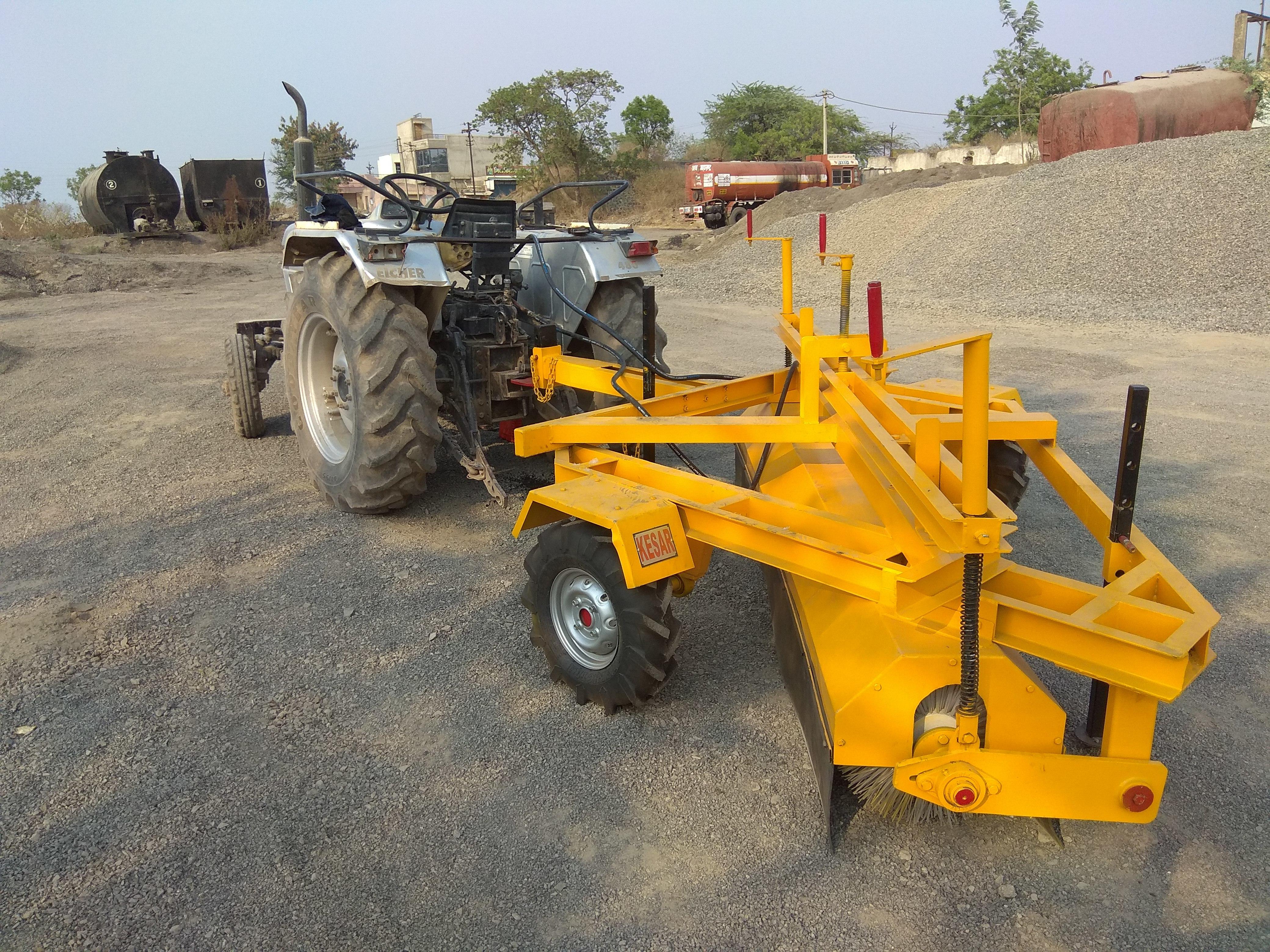 Mechanical Broomer Machine