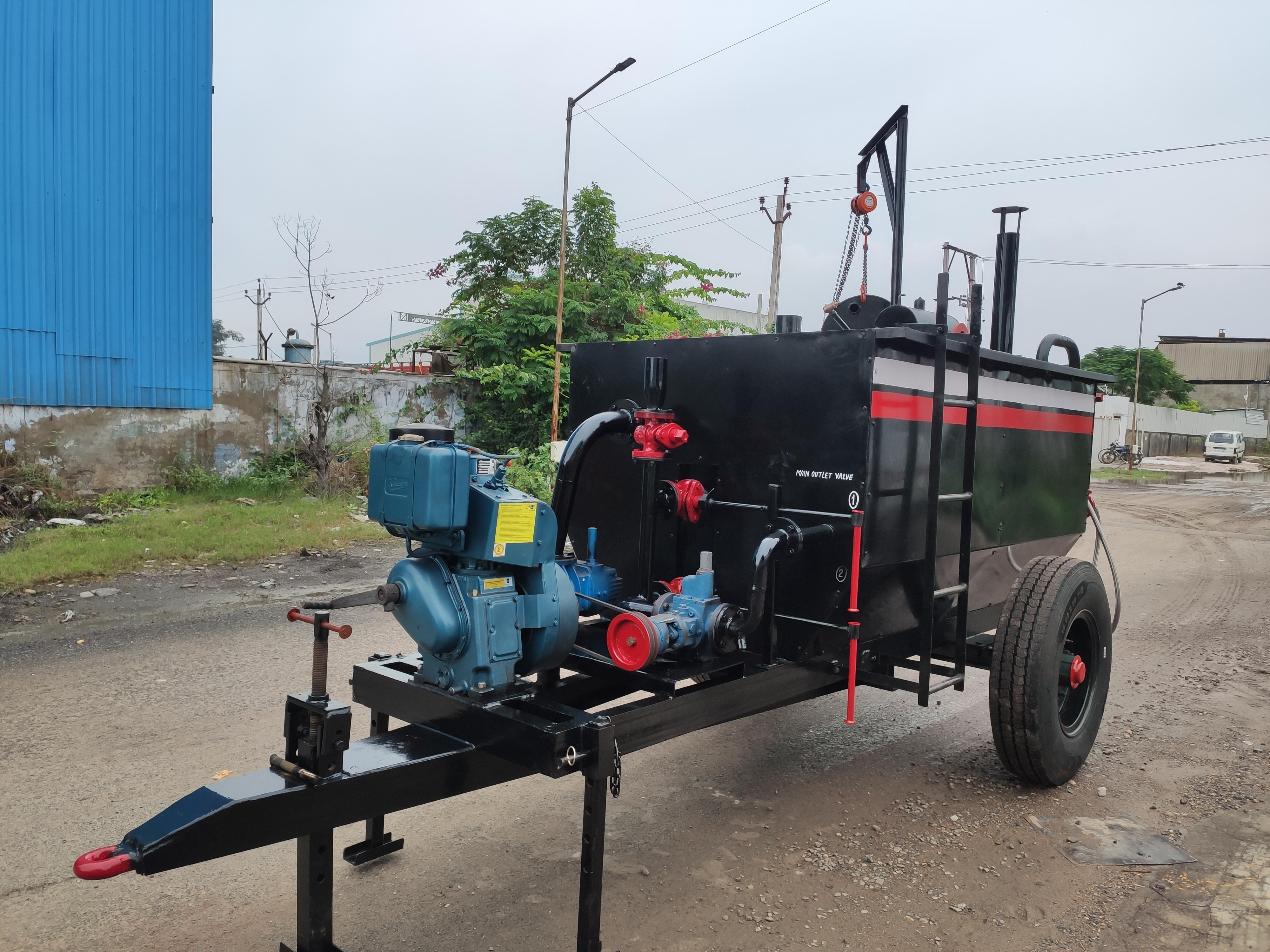 Bitumen Emulsion Sprayer with Road Dust Cleaner