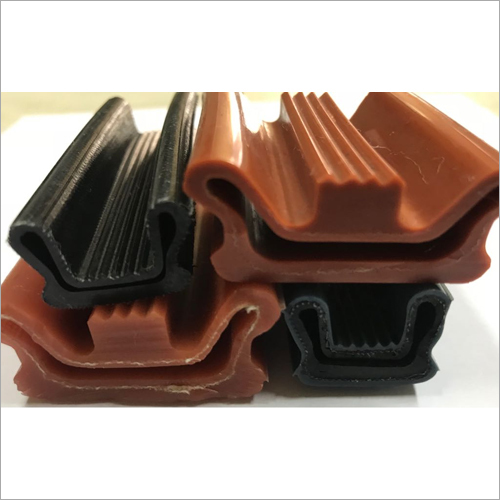 Fully Molded Fabric Reinforced Inflatable Seal
