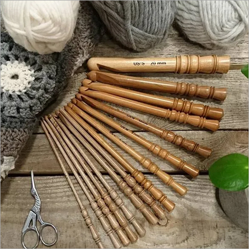 Surina Wood Crochet Swivel Hooks