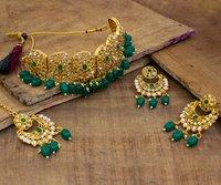 Latest Choker Design Traditional Gold Plated Kundan Patti Choker
