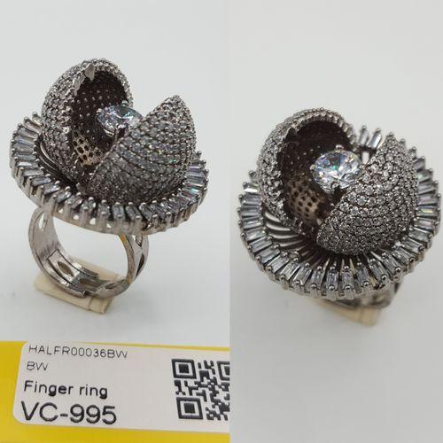 Antiqu Fingure Ring