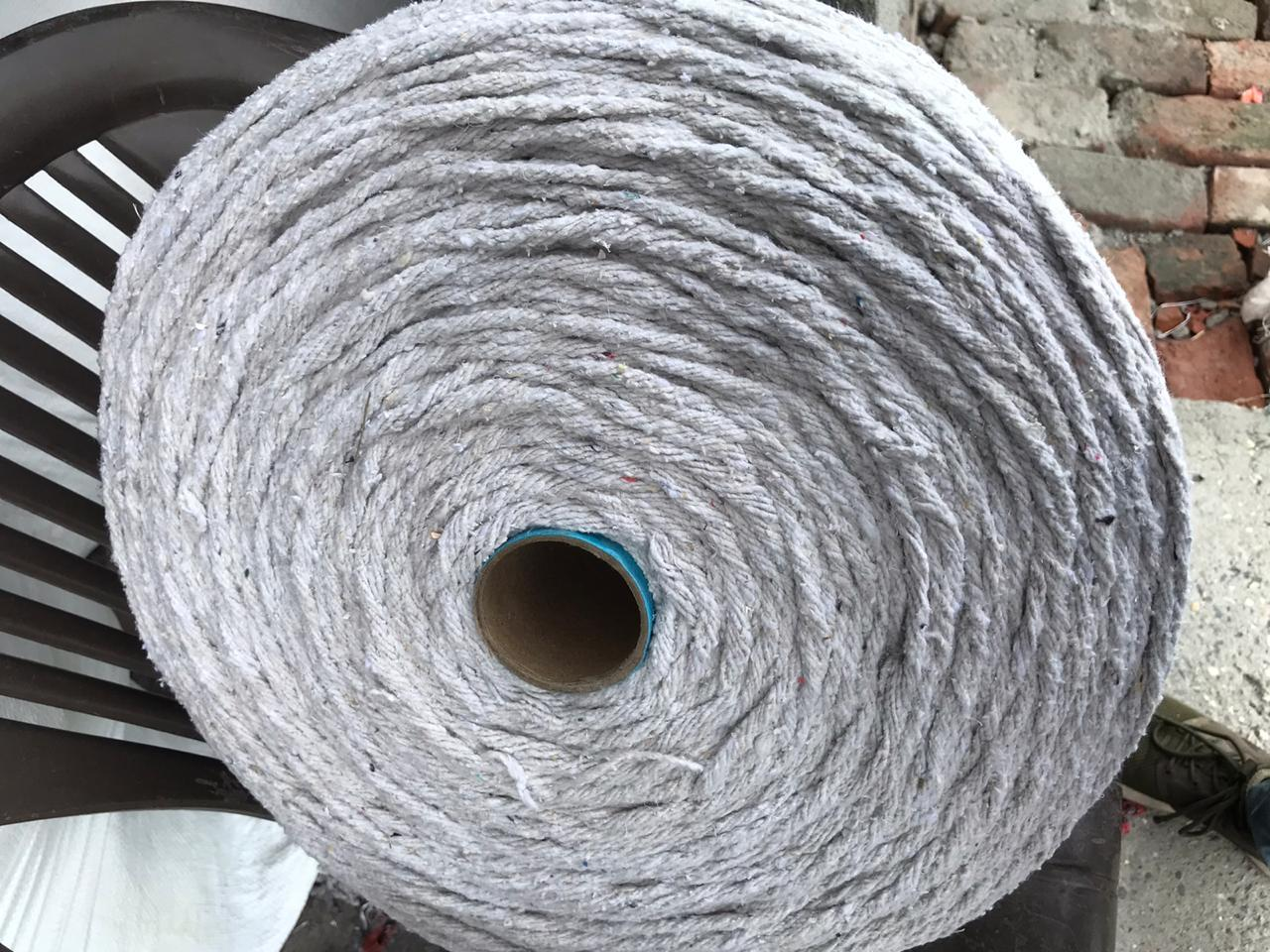 Half Bleach White Yarn